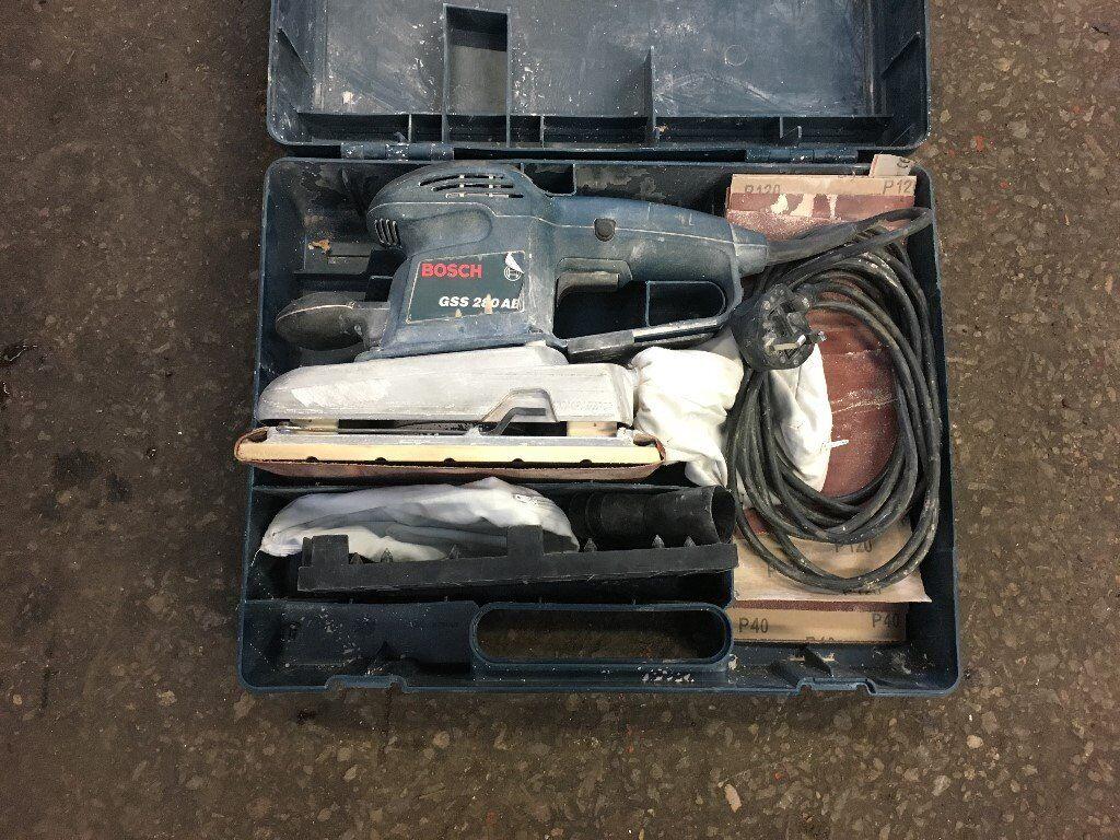 Bosch 110v orbital sander with box