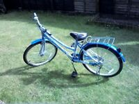 Retro style hybrid/commuter adult unisex lady/male bicycle/bike in blue