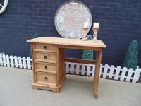 CORONA PINE DESK/DRESSING TABLE ALL SOLID AND IN EXCELLENT CONDITION 105/48/79 cm £55