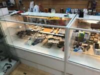 Shop counter / storage