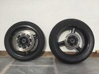 Yamaha R1 2003-2 Front & Rear tyres