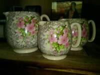 /vintage/kitchenware/sadler-vintage-jugs-with-floral-design-set-of-3-detail