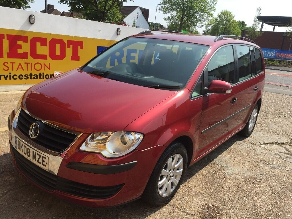 2008 vw touran 1 9 tdi diesel 6 speed manual deep red clean condition in morden london gumtree. Black Bedroom Furniture Sets. Home Design Ideas
