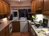 Solid oak kitchen ideal for rented accommodation