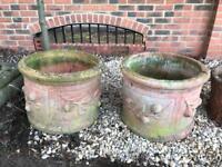 2x outdoor garden pots