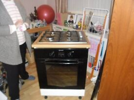 Gas hob and electric cooker