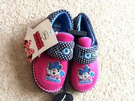 Minnie Mouse slippers, size 7