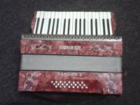 Accordion By Hohner Carmen II 24 Bass keys, piano style keys dont work
