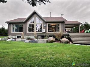 328 000$ - Maison de campagne à vendre à Lac-Aux-Sables