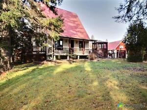 195 000$ - Maison 2 étages à vendre à Canton Tremblay Saguenay Saguenay-Lac-Saint-Jean image 1