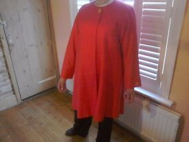 Ladies 'retro' Avoca designer lightweight red knee length coat.Size 18.
