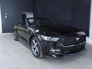 2015 Ford Mustang *CONVERTIBLE*