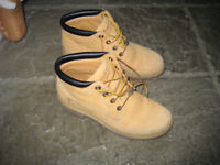 Hardly worn Timberland walking boots size 6
