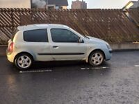 RENAULT CLIO 2004 DIESEL ONLY £30 TO TAX FOR YEAR FOR SALE OR SWAP LARGER CAR OR VAN