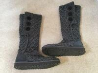 Knitted Grey Ugg Boots Size 6