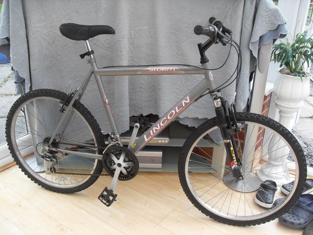 Adults Lincoln Storm Suspension Mountain Bike In Good Condition