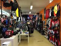 Liquidation vetements motocross de 25% a 70% d'escompte