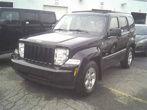 2010 Jeep Liberty NORTH 4X4 TOIT OUVRANT A/C
