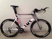 Cervelo P2 (61 CM) Triathlon Bike with Zipp 404 Firecrest Wheelset