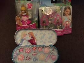 Disney Princess lip gloss, jewellery and small doll