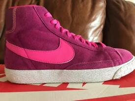 Junior Nike trainers