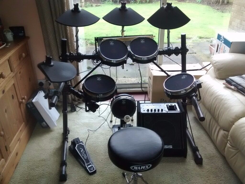alesis dm5 pro electric drum kit with pearl mesh heads and 682 conversion extras in leighton. Black Bedroom Furniture Sets. Home Design Ideas