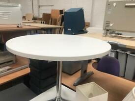 900mm white round table