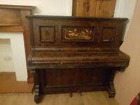 Piano 250; good tune, little marks