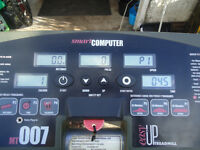 BT3200 Motorised Treadmill by Body Sculpture Good working condition Easily Transportable