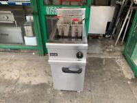 GAS LINCAT 2 BASKET FRYER SERVICED CATERING COMMERCIAL TAKE AWAY KITCHEN CHICKEN KEBAB RESTAURANT