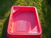 Red Early Learning Centre Sandpit with water play lid