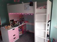 Kids bed / Work Station w/desk, drawers & shelves