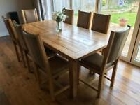 Oak Rustic Extending Dining Table With 8 Matching Leather Chairs