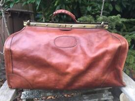 Large Gladstone leather bag