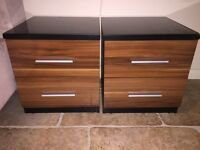 Vermont wardrobe plus 2 chest drawers and 2 bedside drawers with glass tops in good condition