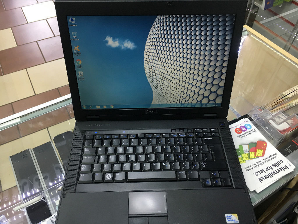 """CHEAP FAST DELL LATITUDE E5400 LAPTOP/ WINDOW 7/ WIRELESS/ 14.1MS OFFICEin Sparkhill, West MidlandsGumtree - WINDOWS 7 PRO 64BIT/ INTEL CORE 2 DUO P8700/ 2.53 GHZ PROCESSOR 2GB MEMORY RAM , / 160 GB HARD DRIVE WIRELESS. DVD/RW DRIVE M.CARD READER MS OFFICE 2007,AVAST ANTIVIRUS 14.1"""" SCREEN COMES WITH CHARGER CITY COMPUTERS & PHONE SHOP, 199 OMBERSLEY..."""