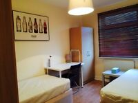 BRAND NEW DOUBLE/TWIN ROOM, 5 MNTS WALK CUSTOM HOUSE, 10 MNT CANNING TOWN, DOCKLANDS, SPANISH SPOKEN