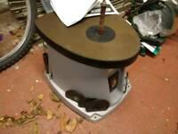 Oscillating bobbin sander