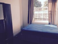 A double bedroom to rent .£120 per week (all bills include)