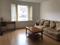 Spacious 2 bedroom flat to rent for £550.Near all ameneties. Availble to occupy asap.