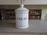 CERAMIC BREAD BIN EXERLENT CONDITION