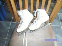 White Ice Skates Size 2 good cond