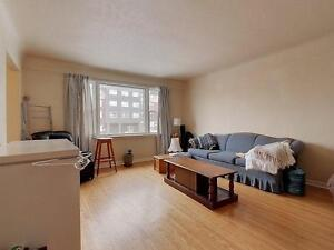 64 Columbia - Cheap+Utilities included. 3 bed units. Walk to... Kitchener / Waterloo Kitchener Area image 3