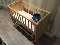 Deluxe Gliding Crib Natural