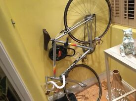 Secondhand Peugeot with helmet and bike lock included
