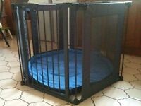 Lindam Play Pen with wall fixings