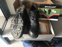 Size 11 golf shoes and gift set