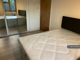 1 bedroom in Victoria Court, Feltham, TW14 (#1140928)
