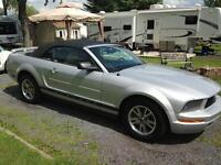 2005 Ford Mustang Coupé (2 portes) CONVERTIBLE