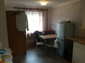 3 bedroomed house for rent in Lundy rd longton